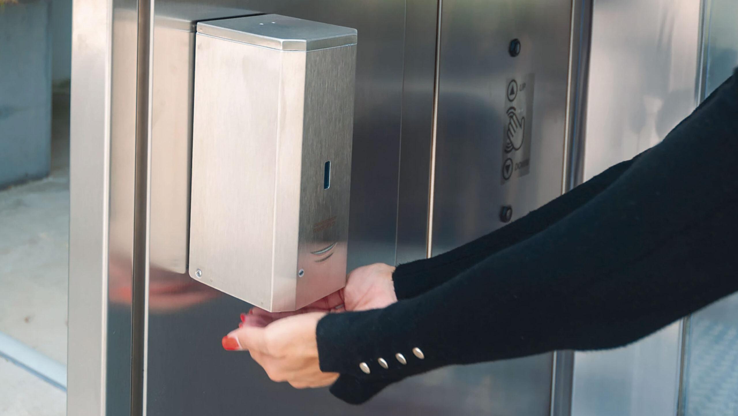 sanificazione-sensori-rilevamento-disinfettare-mani-cabina-sanificante-sanapur-s2life
